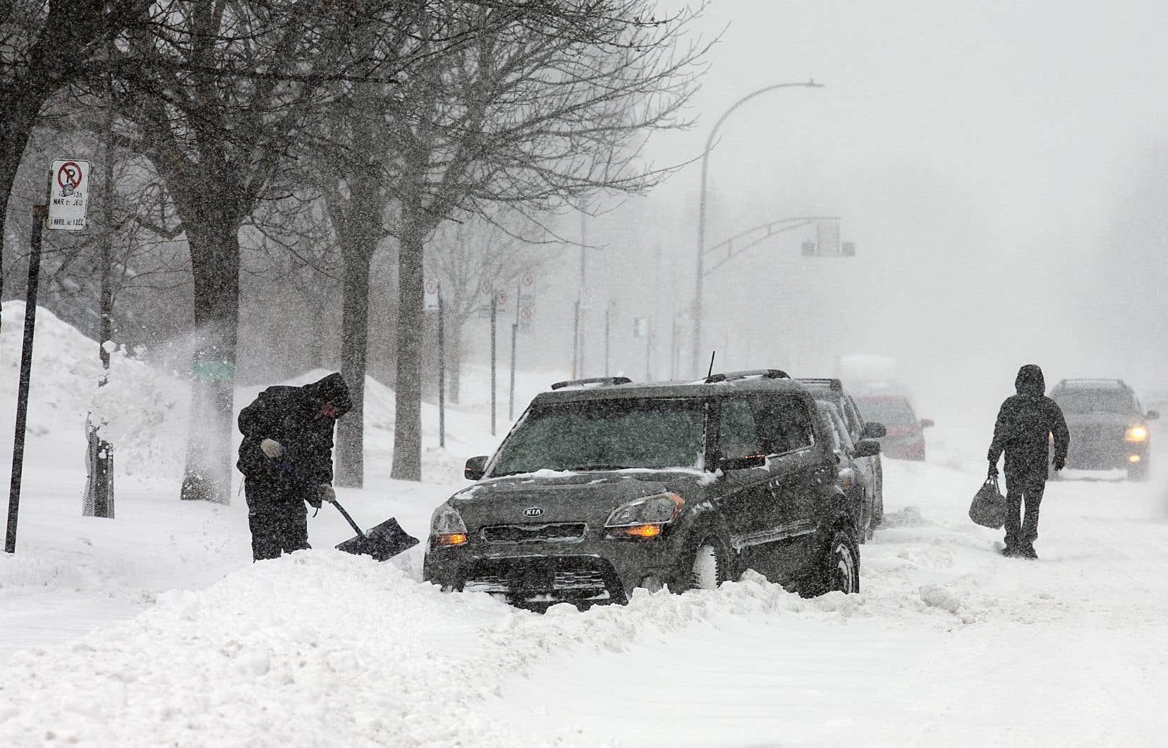 Dans la région de Montréal, des accumulations totales de neige de 10 à 15 cm sont prévues.