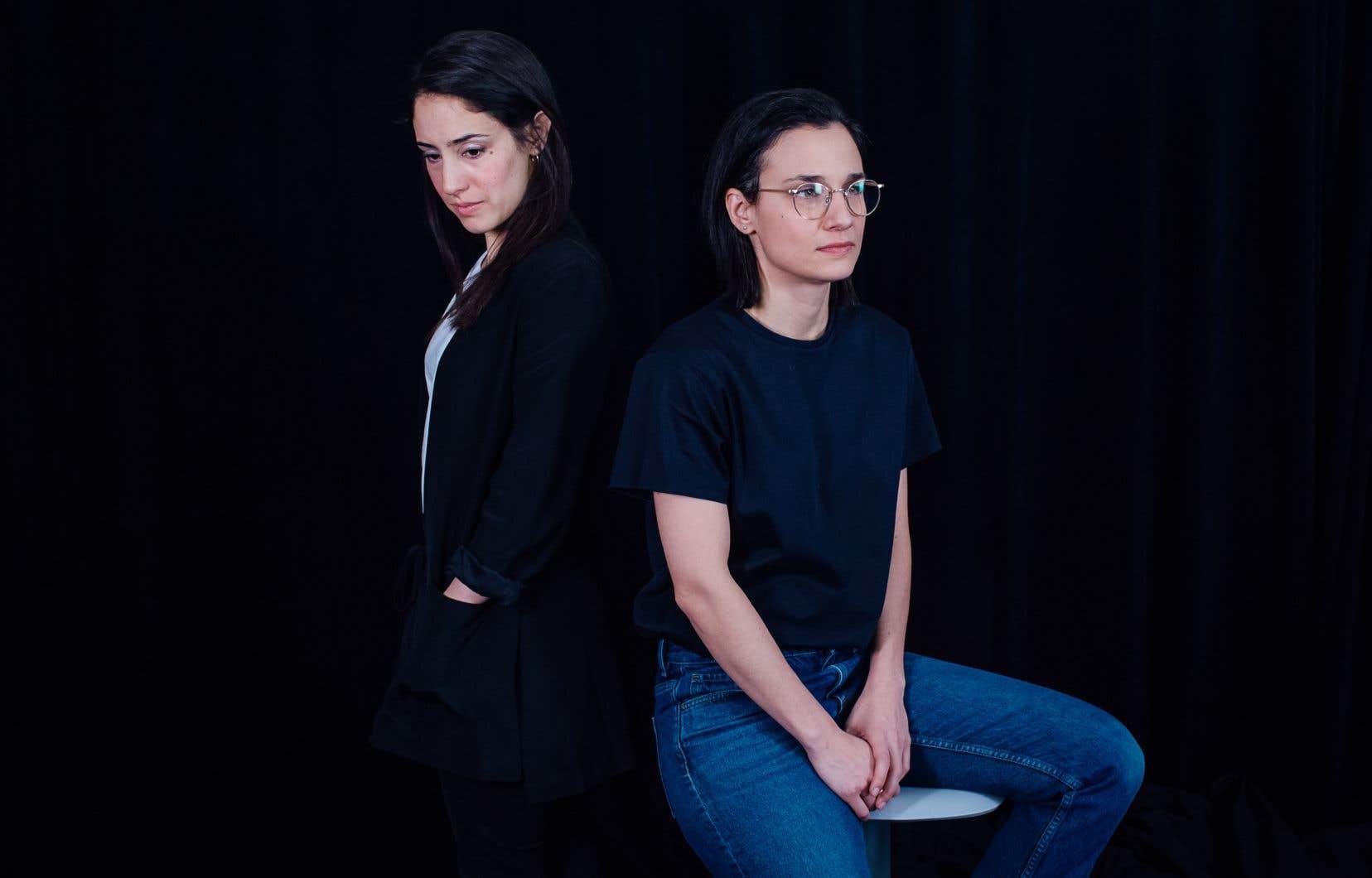 La rencontre entre la dramaturge Nathalie Doummar (à gauche) et la cinéaste et metteure en scène Chloé Robichaud s'est faite naturellement, par affinité pour leurs univers respectifs, et leur collaboration n'est pas près de s'arrêter, à en croire les deux femmes.