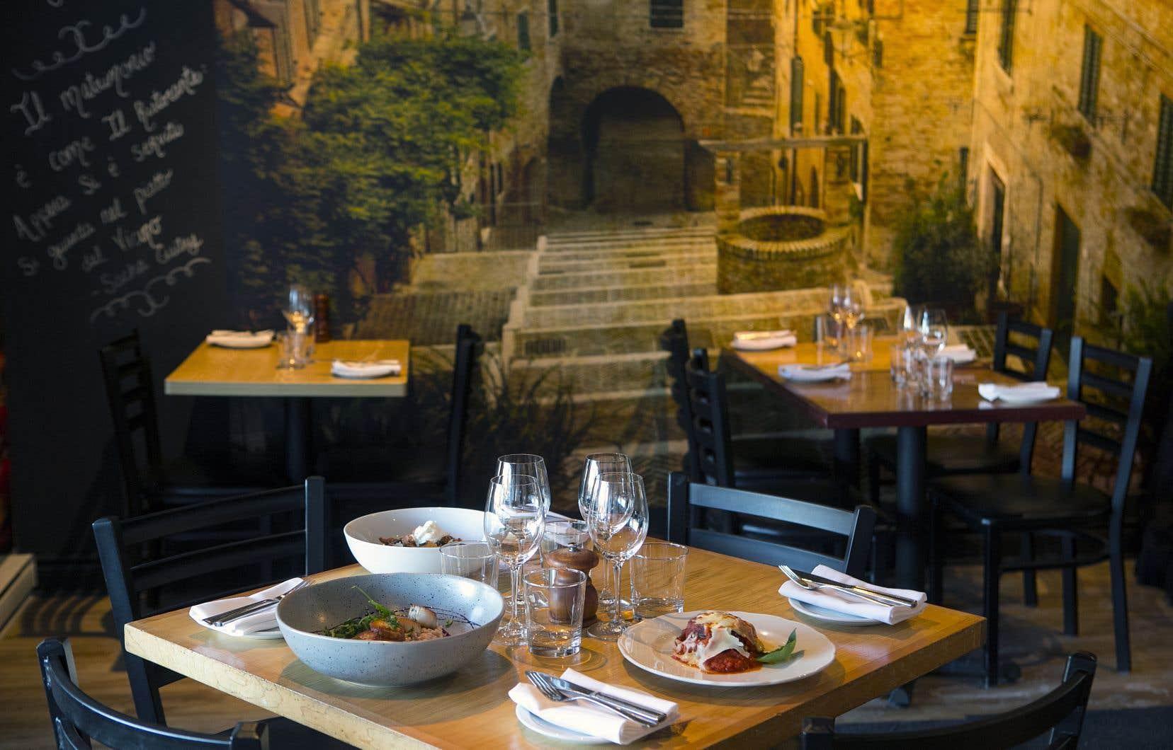 Un décor comme si vous poussiez la porte d'une petite trattoria de Sant'Eusanio del Sangro ou de Popoli.