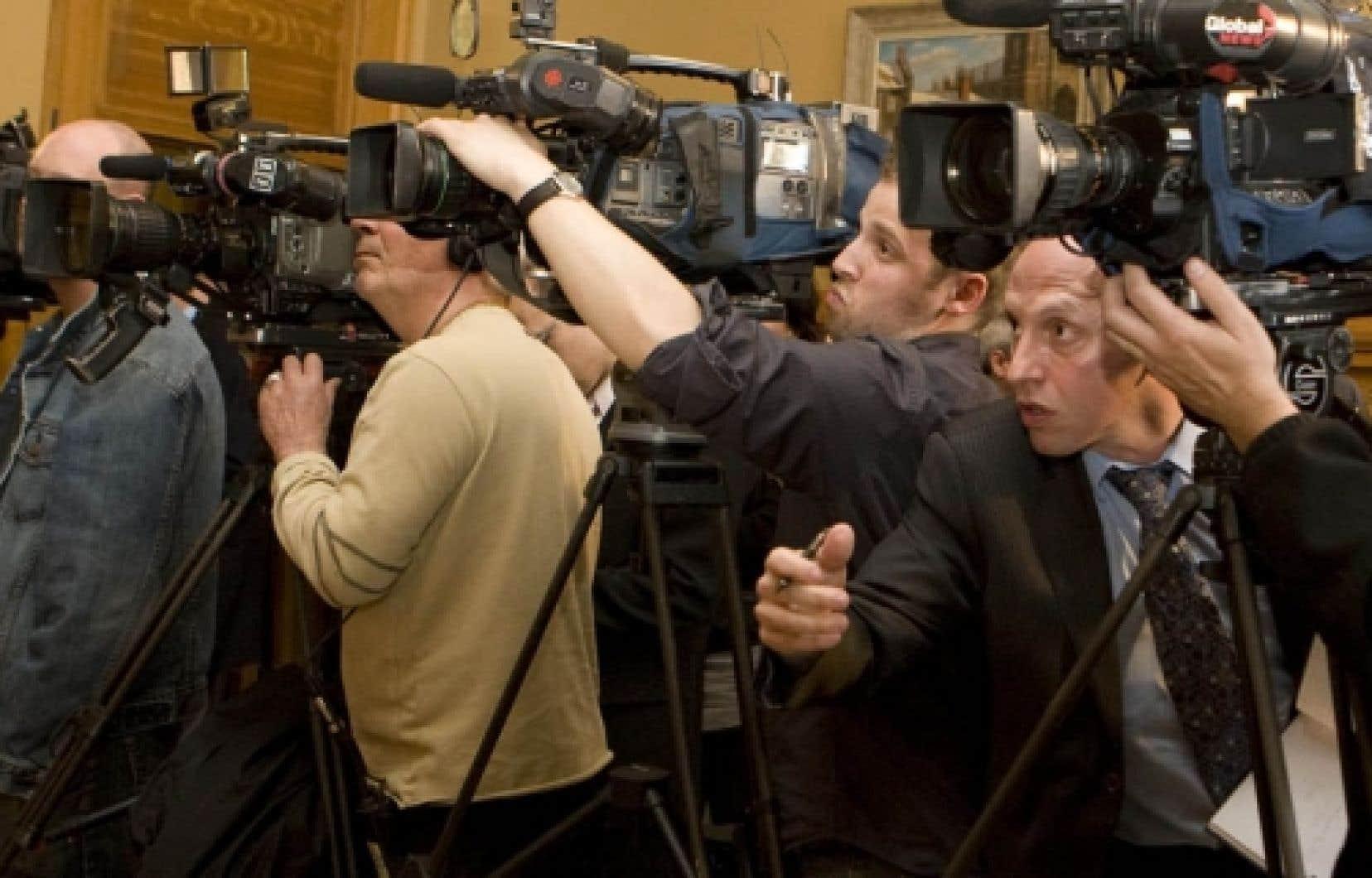 Selon Anne-Marie Gingras, les médias ont un pouvoir indirect, diffus, ce qui n'en fait pas des acteurs autonomes.<br />