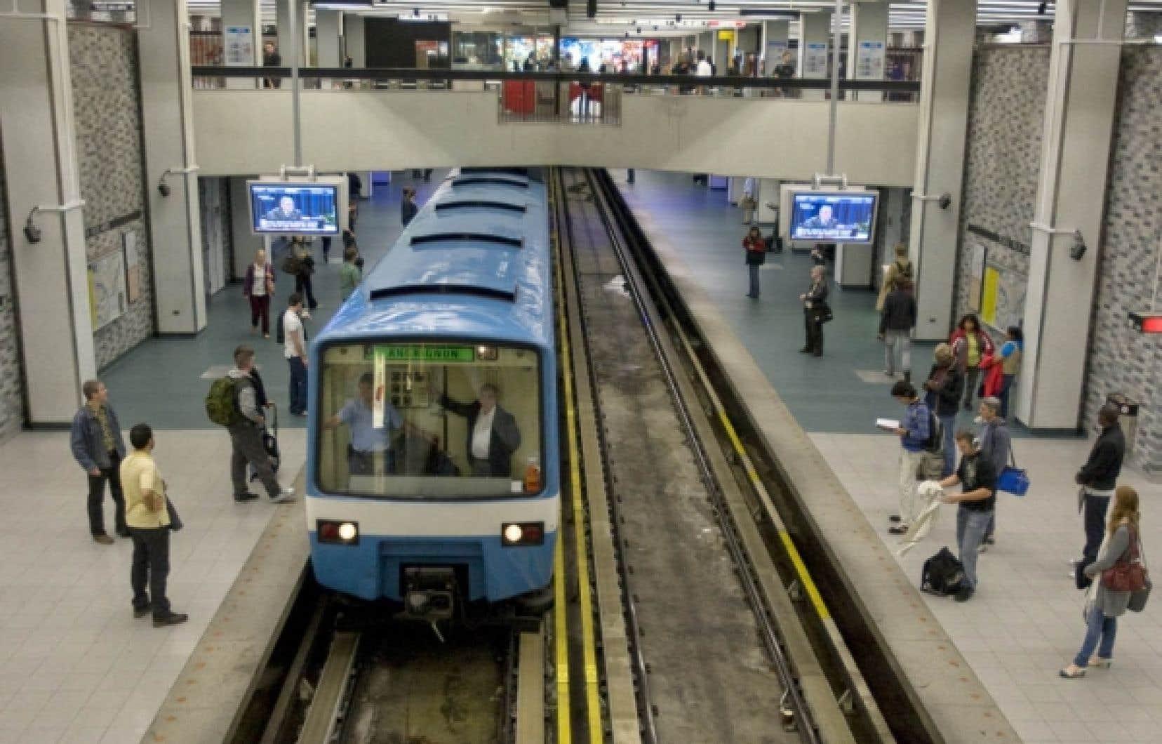 L'argent investi dans les transports en commun crée trois fois plus d'emplois que l'argent injecté dans le transport par voiture, selon la Chambre de commerce de Montréal.<br />