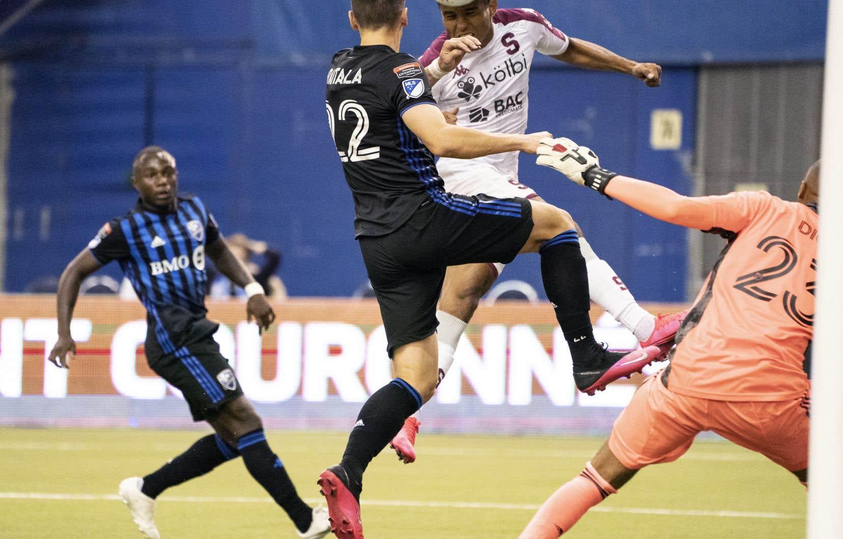 Jukka Raitala s'est blessé dès la cinquième minute de jeu du match retour de mercredi contre le Deportivo Saprissa au Stade olympique.
