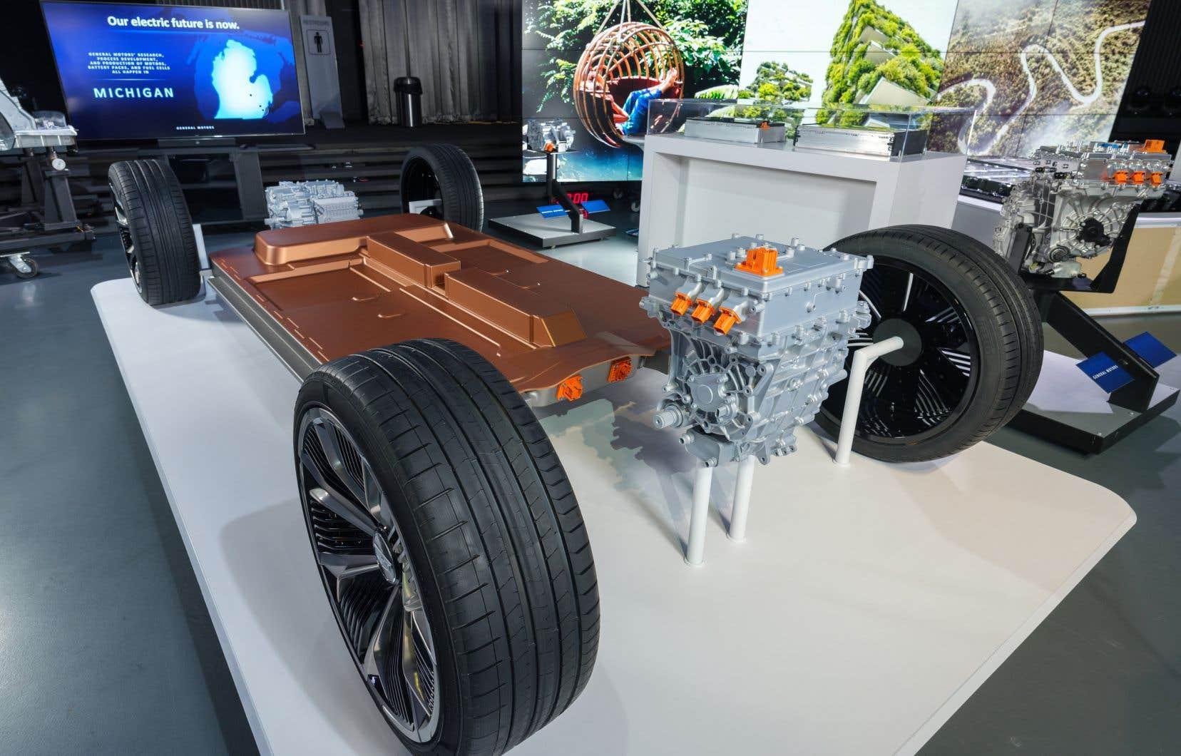 La batterie Ultium pourrait permettre à un véhicule de parcourir jusqu'à 645 kilomètres avec une seule recharge, affirme General Motors.