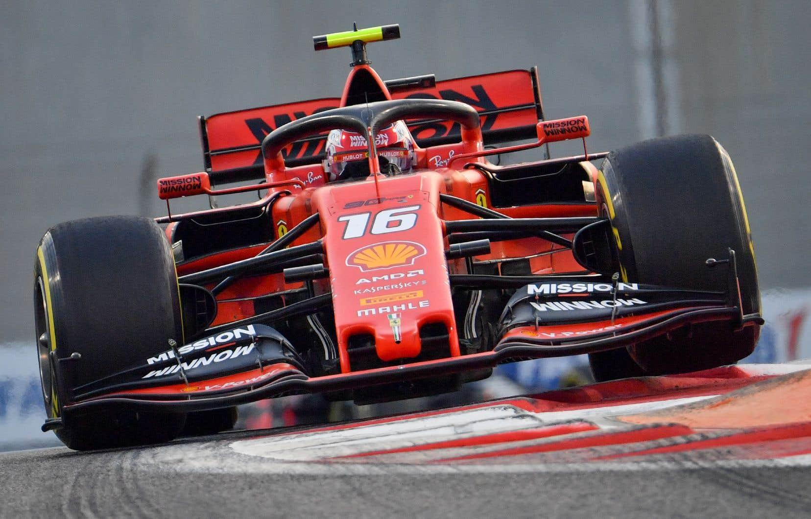 La Ferrari de Charles Leclerc, durant la dernière course de la saison 2019 à Abou Dabi