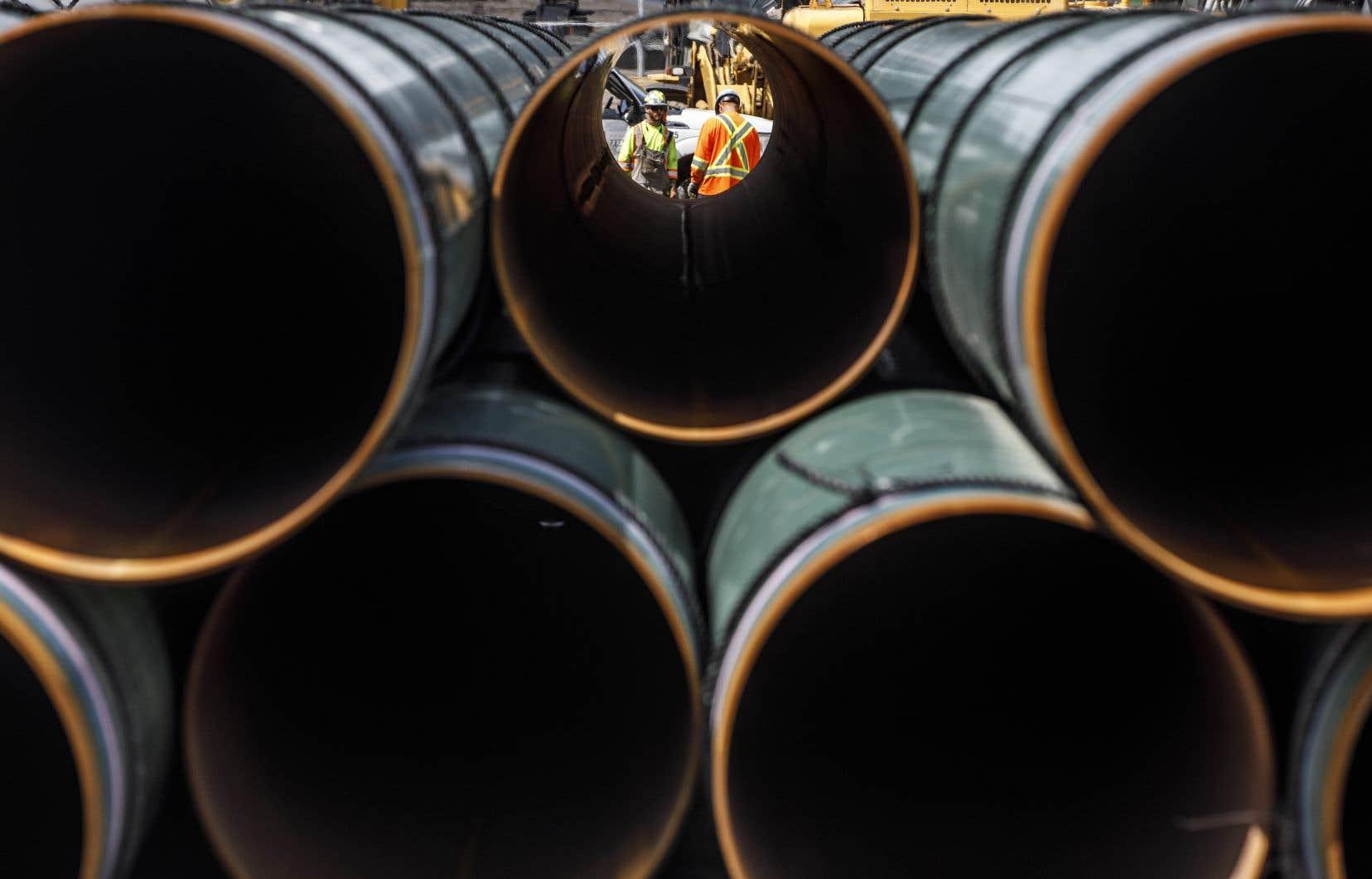 En 2018, le gouvernement canadien a acheté au coût de 4,5milliards de dollars le pipeline existant afin d'en garantir l'agrandissement.
