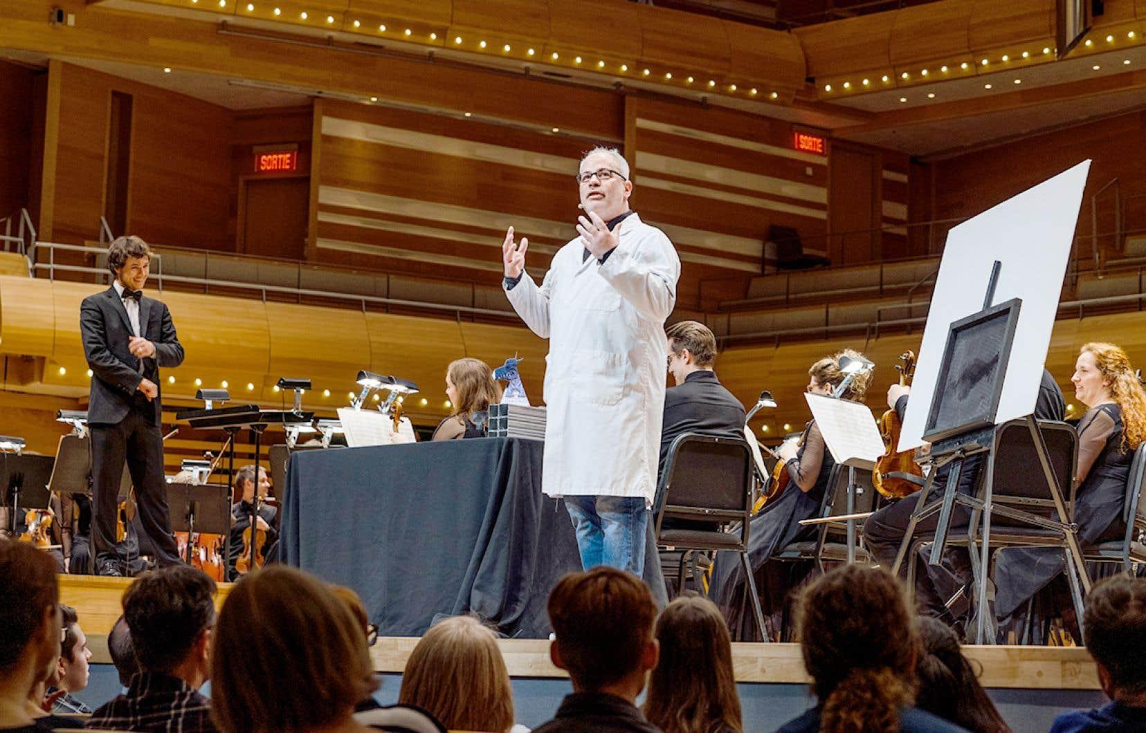 Le chef d'orchestre Nicolas Ellis et le vulgarisateur scientifique Martin Carli présentent en tandem le concert L'eau et le feu : Génial!
