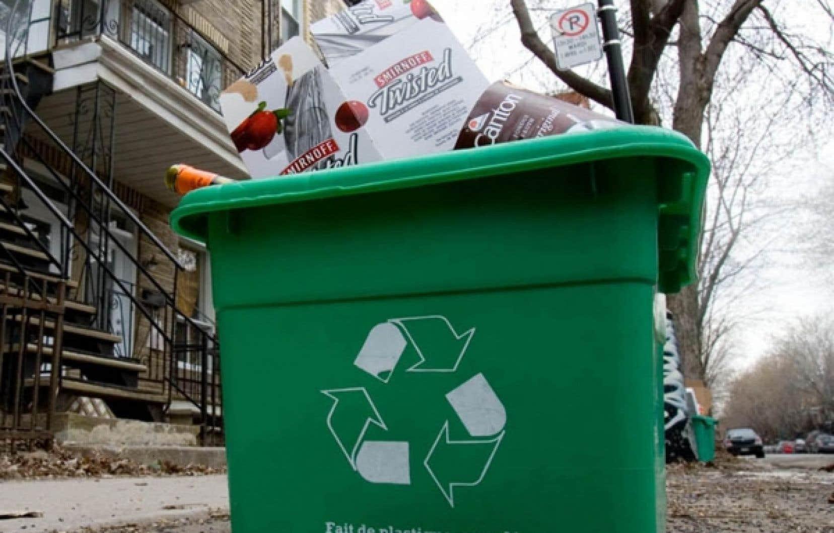 Les Québécois souhaitent non seulement consommer moins, mais ils sont aussi plus sensibles au recyclage.