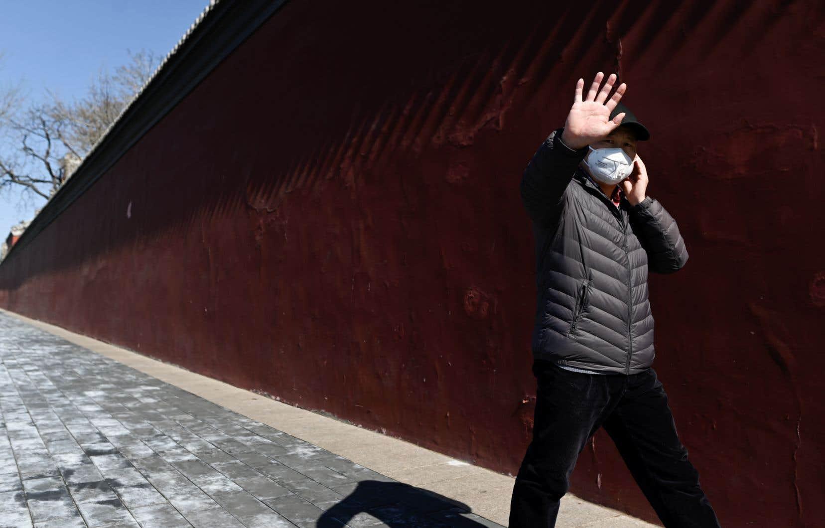 Tétanisés par le virus, des millions de Chinois limitent au maximum les contacts depuis fin janvier, quand la gravité de la maladie a été publiquement reconnue par les autorités.