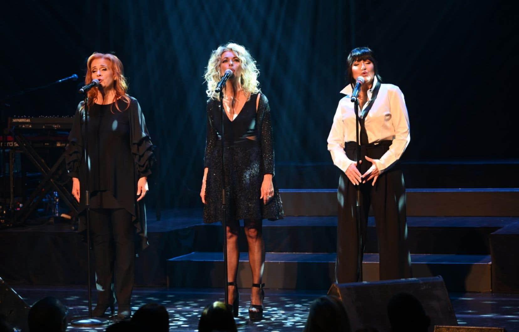 Marie Denise Pelletier,Joe Bocan et Marie Carmen lors du spectacle«Pour une histoire d'un soir»