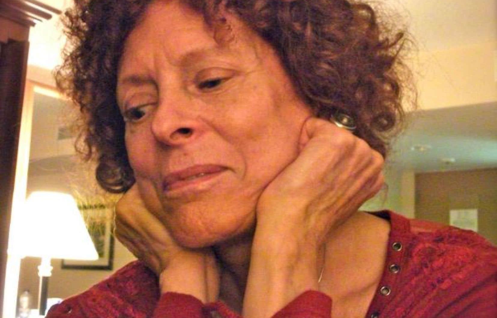 Nicole Gagné livre une poésie de l'inassouvi, d'un grand chagrin devant le manque d'élévation  de la pensée.