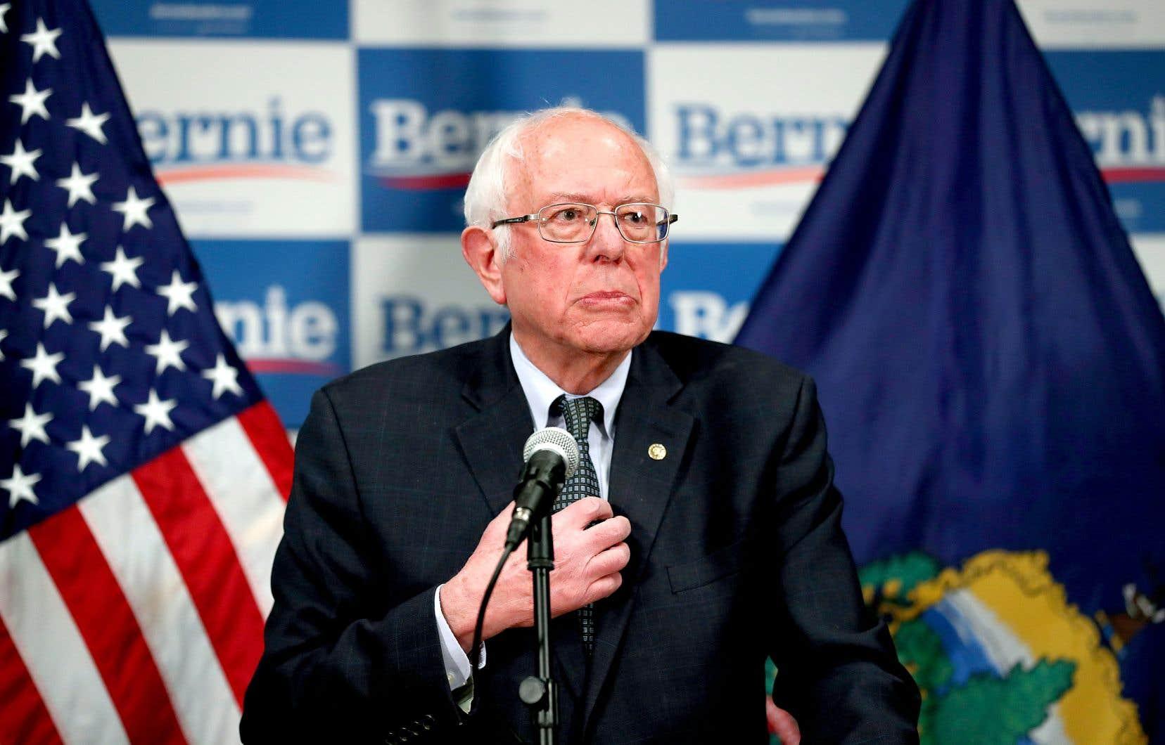 À l'instar de son rival Joe Biden, le sénateur du Vermont Bernie Sanders (sur notre photo) a placé le virus au cœur de sa campagne, au lendemain de la déclaration confuse du président Donald Trump depuis la Maison-Blanche.