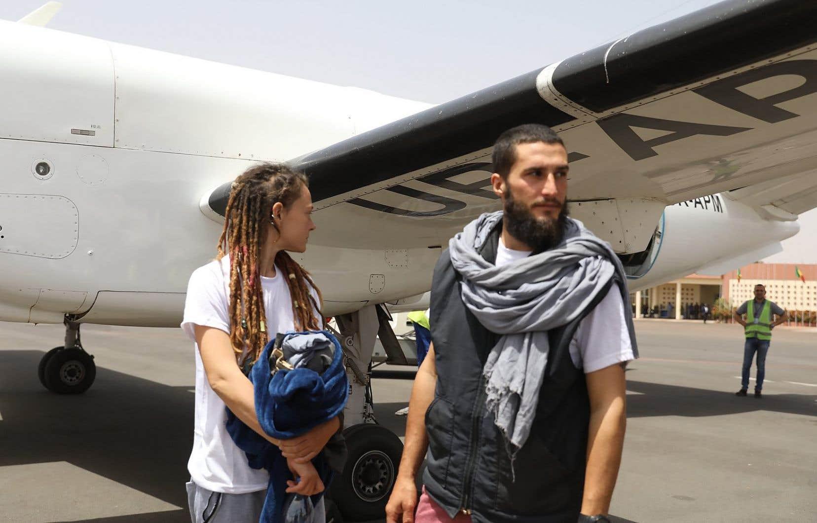 Samedi matin, les deux ex-otages ont été transportés par un avion officiel de l'ONU jusqu'à Bamako, la capitale du Mali.