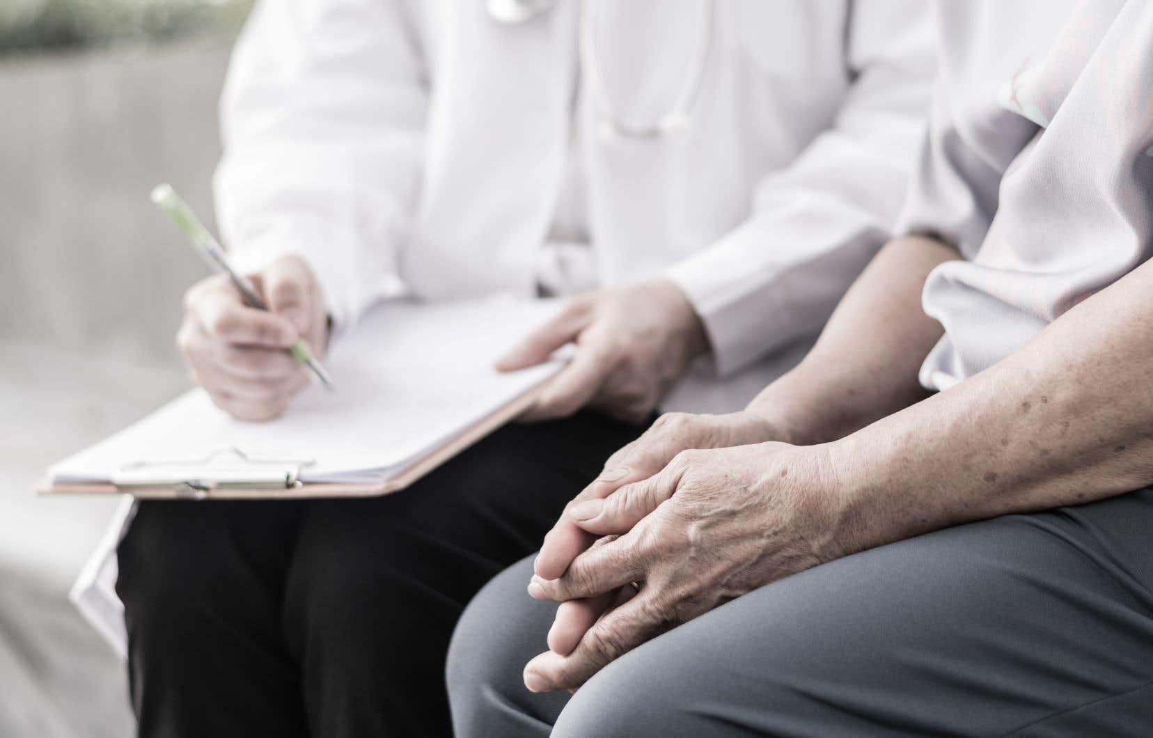 Les quelque 1500 médecins âgés de 70 ans et plus au Québec ne devraient pas travailler, selon les directives du gouvernement.