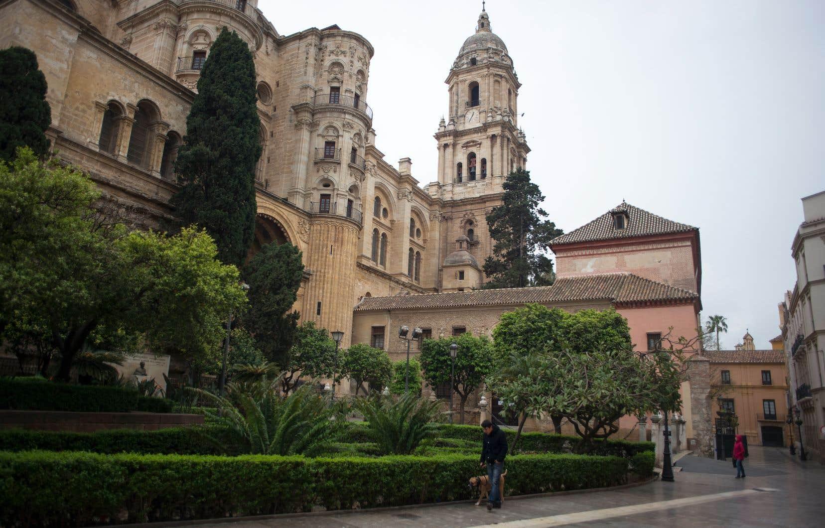 L'Espagne a décrété l'état d'alerte et s'est mise à l'isolement.