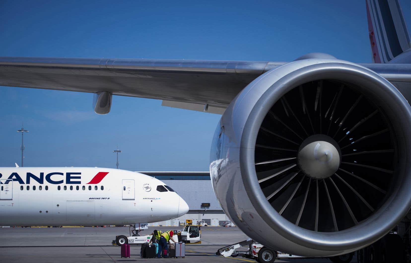 Le groupe Air France-KLM a annoncé une réduction de son activité de 70% à 90% lors des deux prochains mois au moins.