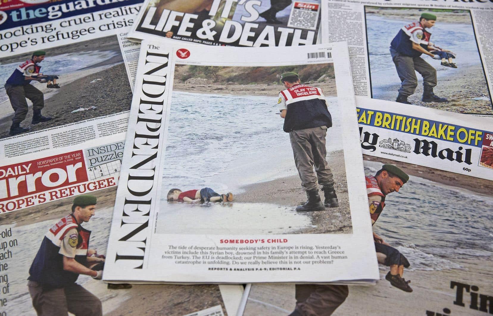 Le 2 septembre 2015, le corps du petit Alan Kurdi fut découvert, échoué sur une plage de Turquie.