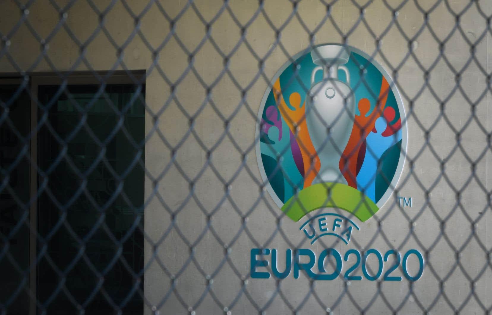 Le tournoi était prévu en juin, avec des matchs dans 12 villes de 12 pays d'Europe.