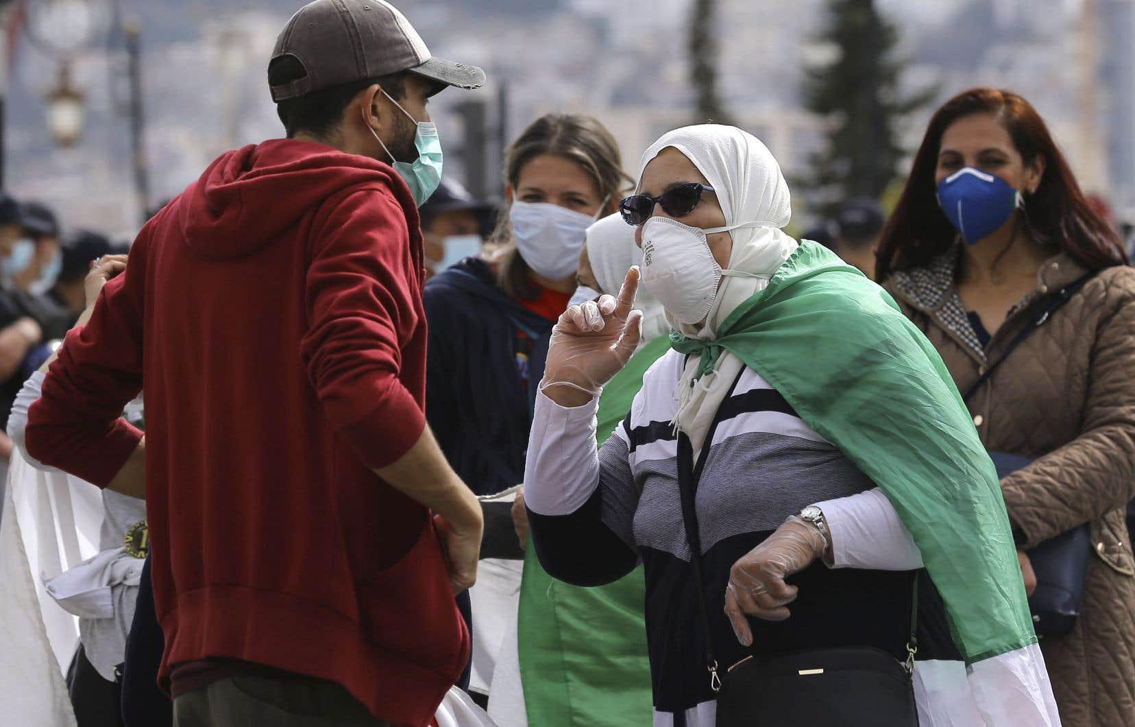 Vendredi encore, les manifestants du «Hirak» bravaient par milliers la menace du virus à Alger et en province.