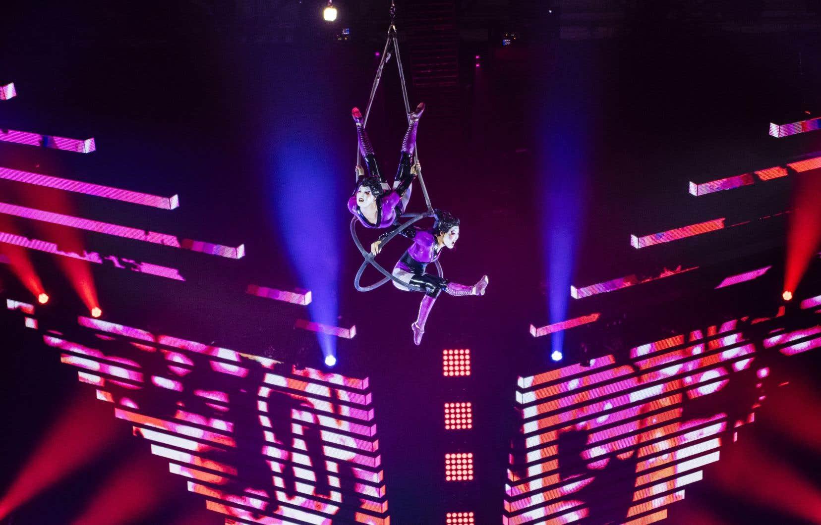 4679 employés du Cirque du Soleil sont licenciés temporairement.