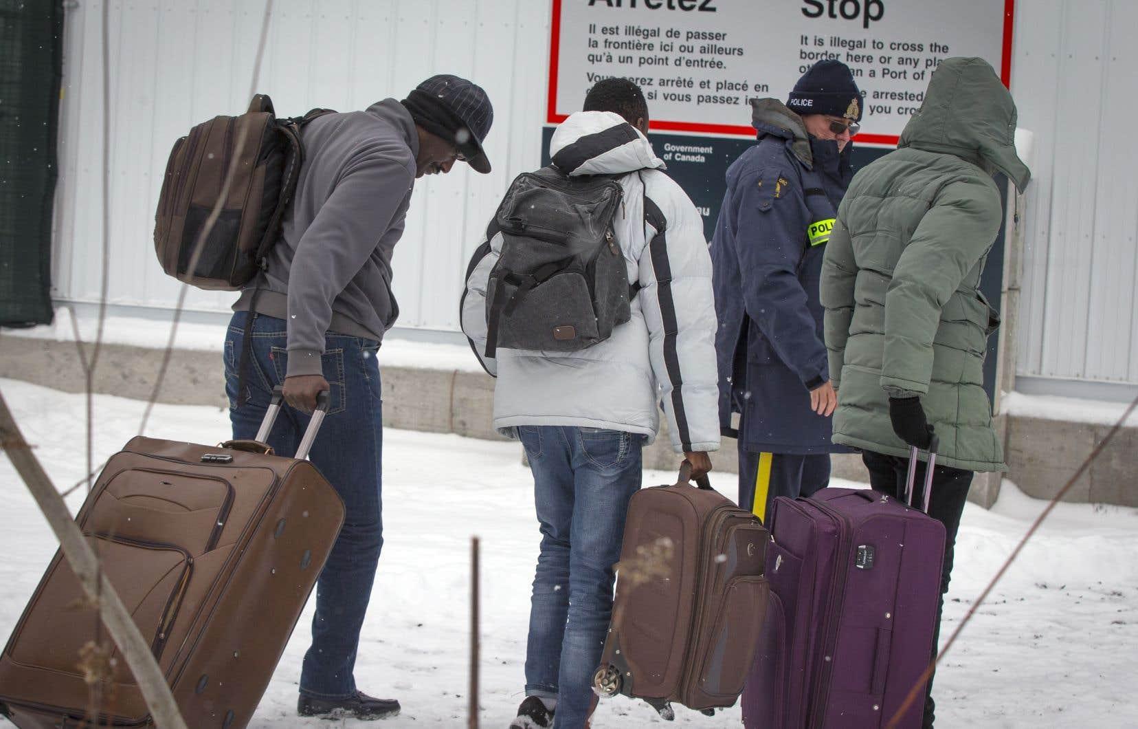 Les migrants qui tenteront de traverser au chemin Roxham seront renvoyés aux États-Unis et ne pourront pas entrer au Canada.
