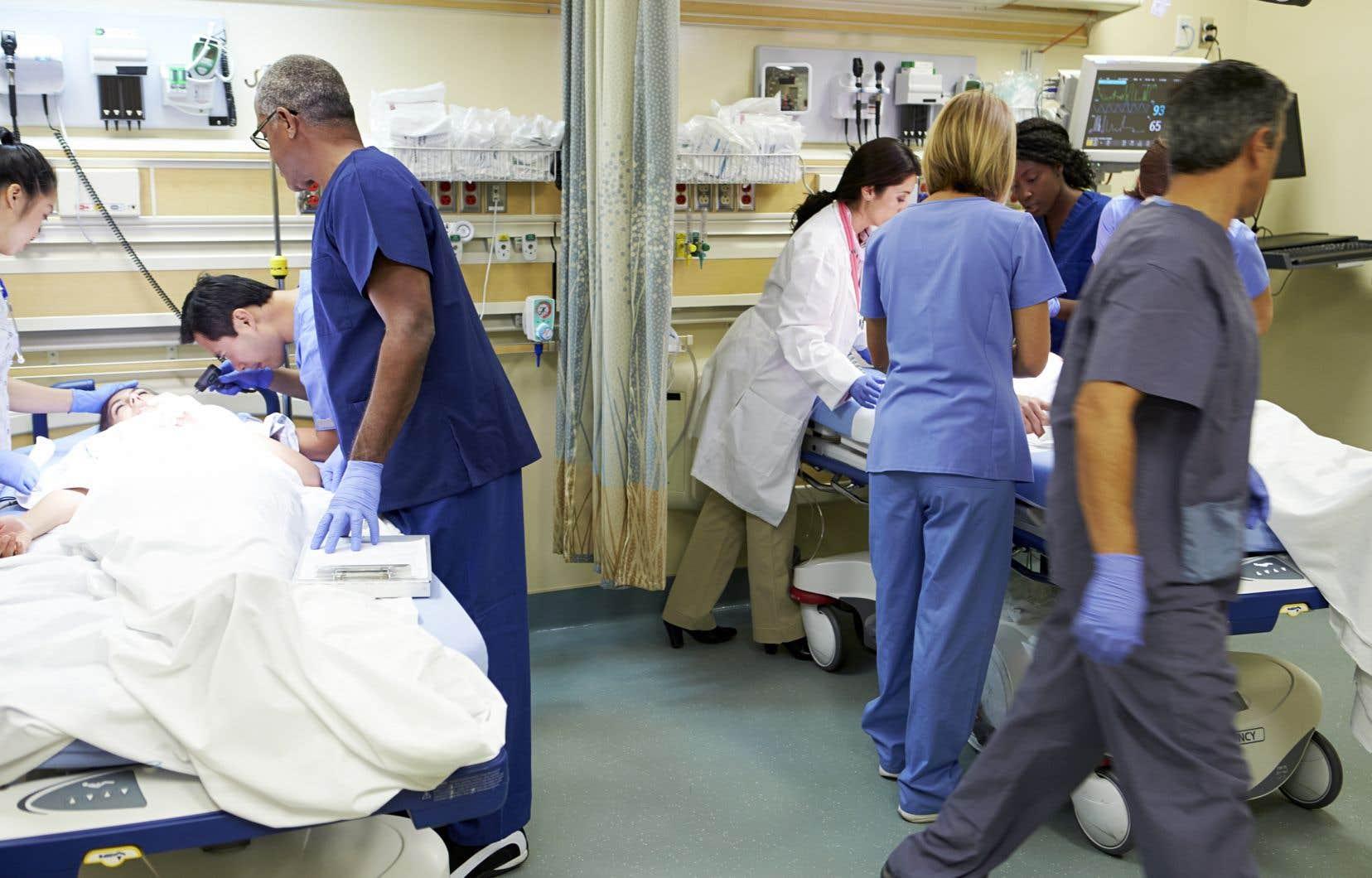 Des médecins affectés aux urgences avaient dénoncé un laxisme des mesures de protection disponibles pour le personnel médical et infirmier.