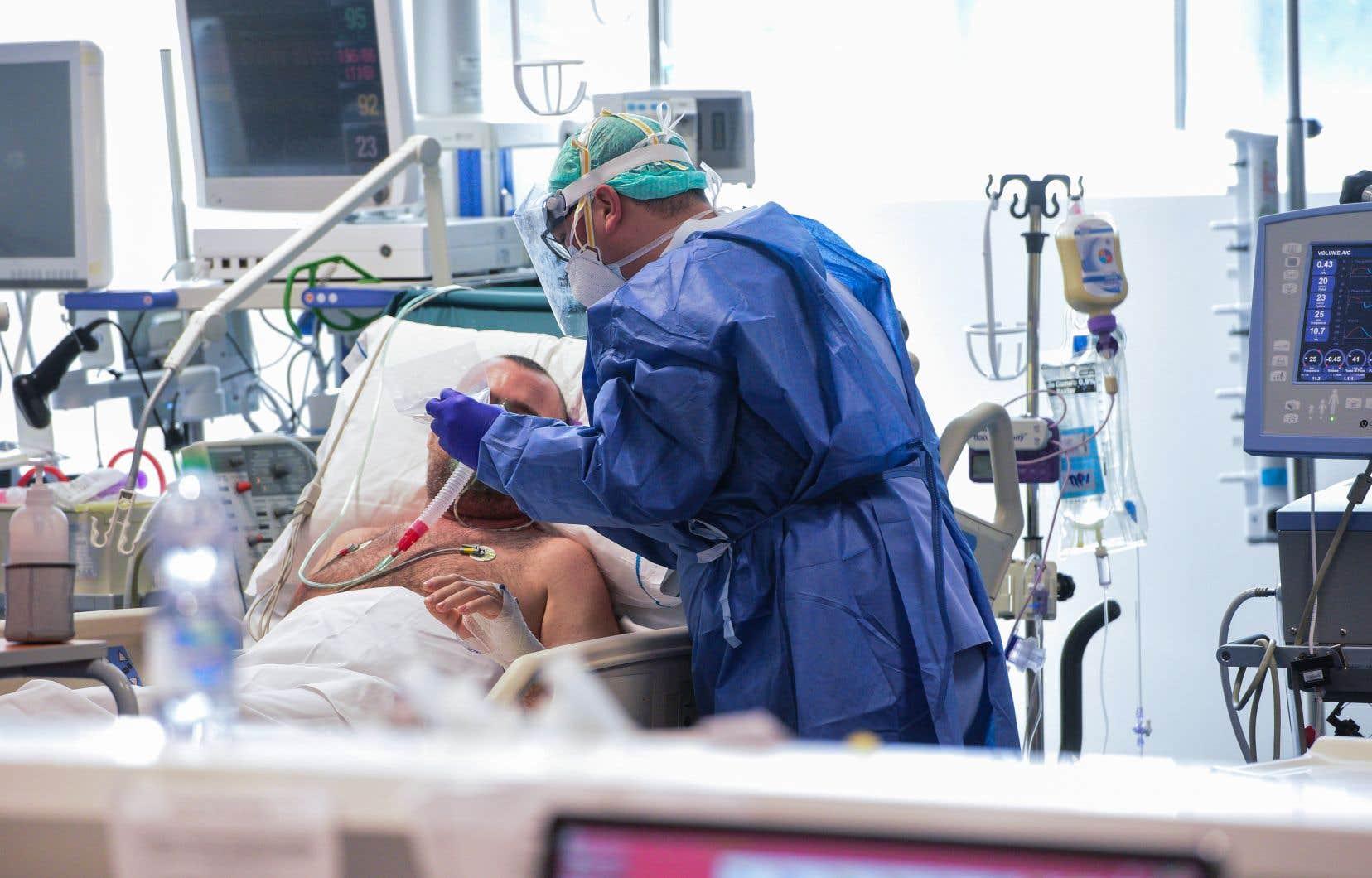 La formule du «premier arrivé, premier servi» vaut-il pour les lits en soins intensifs ou les respirateurs? Le comité d'éthique devra se pencher sur ce type de question.
