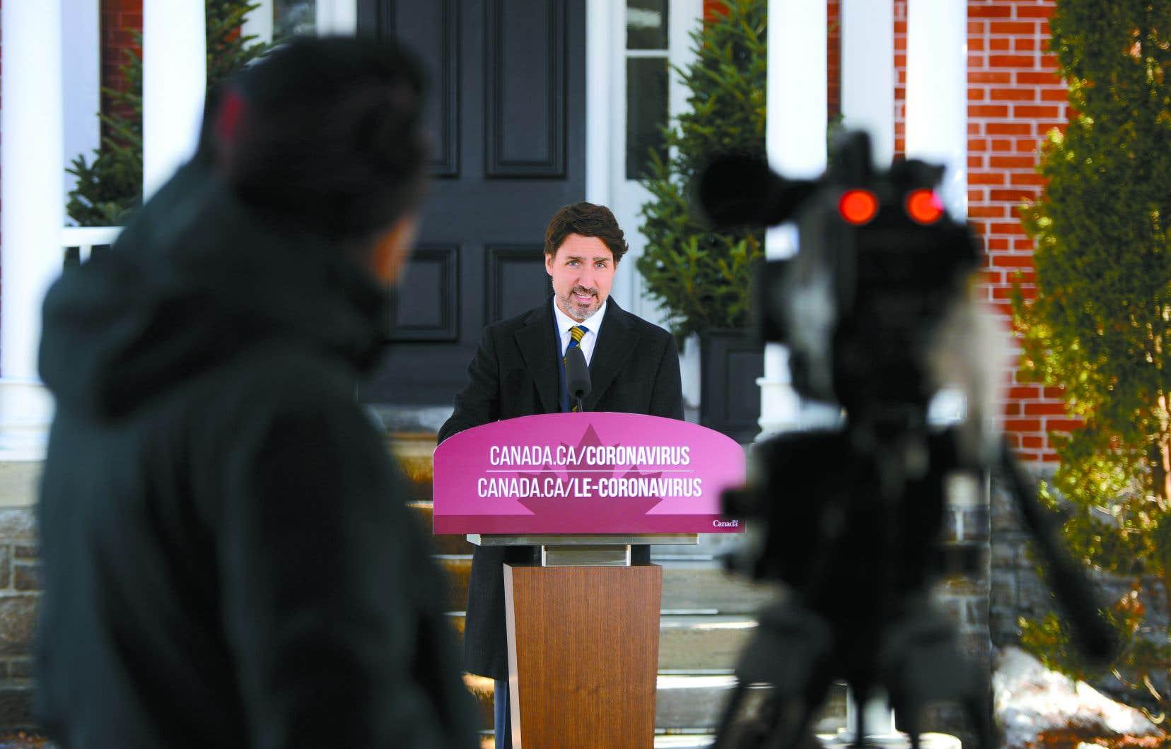 Justin Trudeau espère que l'aide annoncée vendredi permettra aux PME de maintenir leurs activités, même si leur chiffre d'affaires chute à cause de la crise.