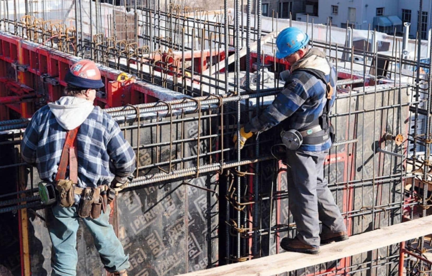 Du côté de la construction résidentielle, le volume de travail atteindra les 30 millions d'heures, soit 6 % de moins qu'en 2010.