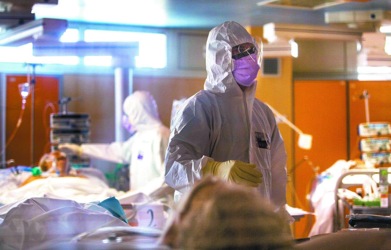 L'Italie, qui a recensé son premier décès lié au coronavirus fin février, compte 11591 morts pour 101739 cas.