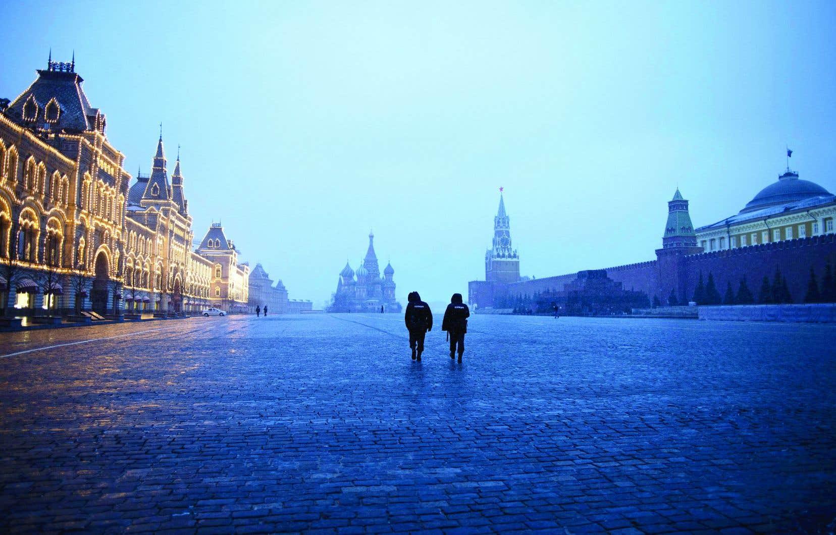 <p>Les habitants de Moscou ont le droit de sortir les poubelles et de promener leur chien dans un rayon de 100m autour de leur domicile.</p>