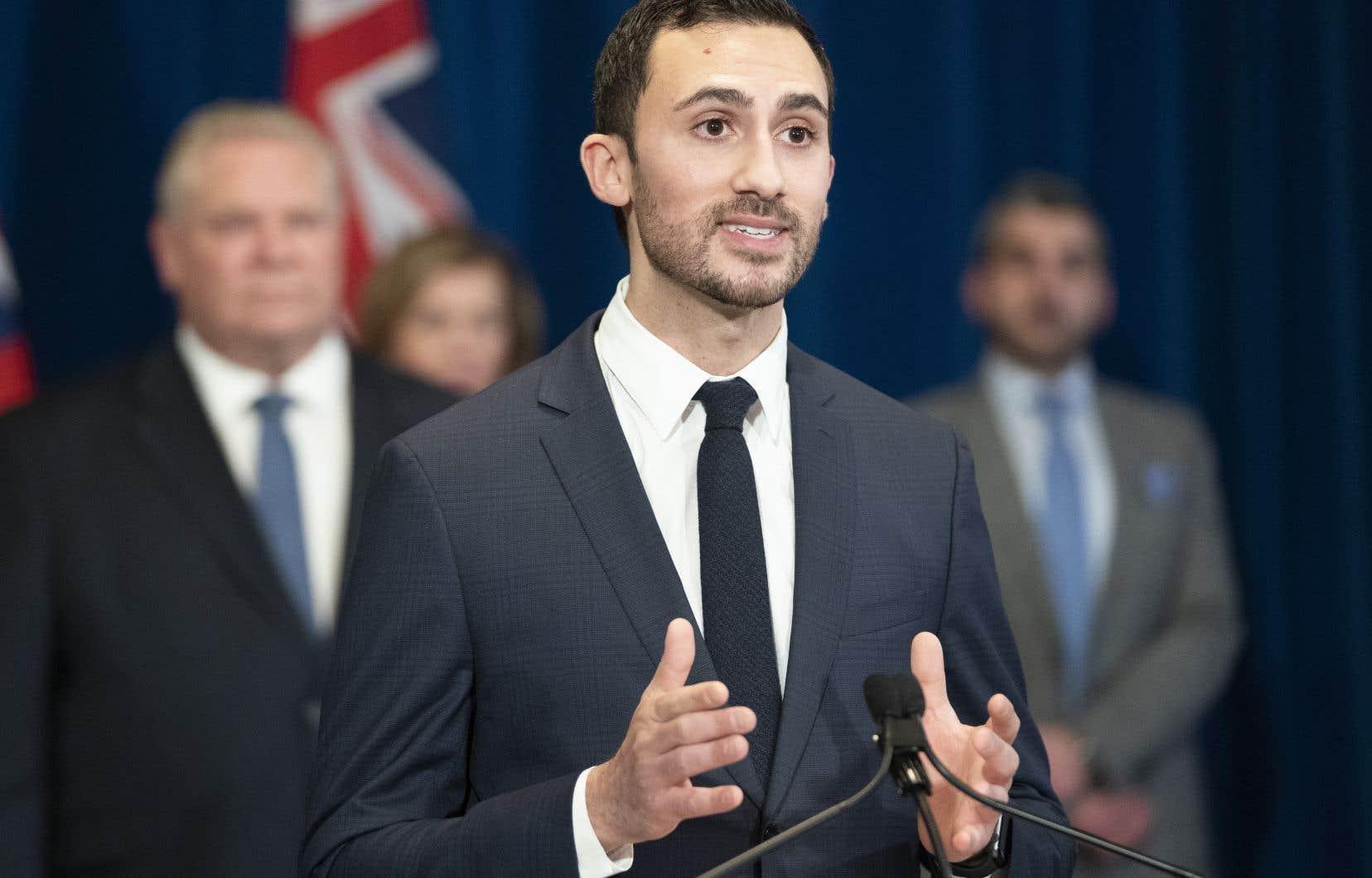 Le ministre de l'Éducation de l'Ontario, Stephen Lecce