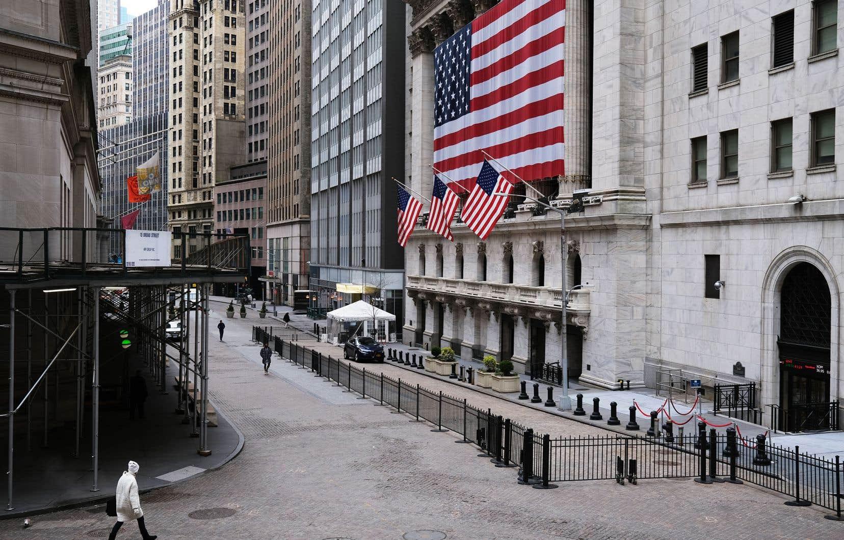 Wall Street a fini par plier, alors que la pandémie de coronavirus continue à générer de profondes incertitudes sur les marchés.