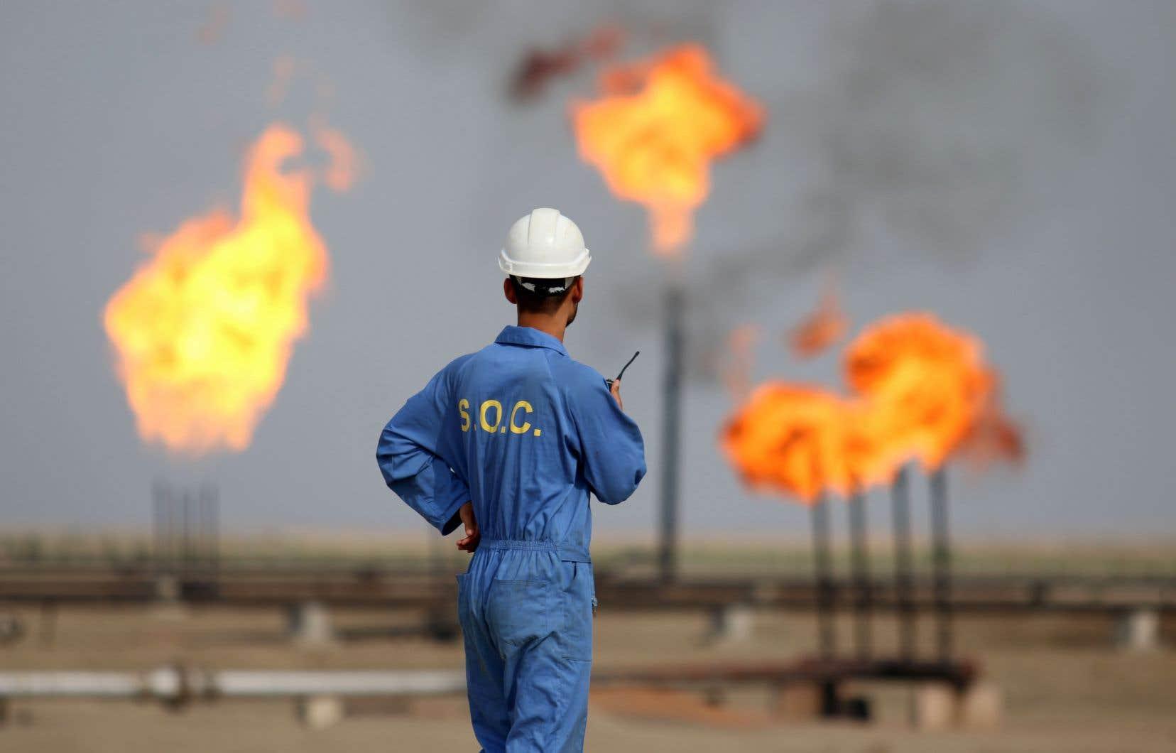 L'Arabie saoudite a appelé jeudi à une réunion «urgente» de l'Organisation des pays exportateurs de pétrole (OPEP) et d'autres pays, dont la Russie, afin de parvenir à un «accord équitable qui rétablira l'équilibre des marchés pétroliers».