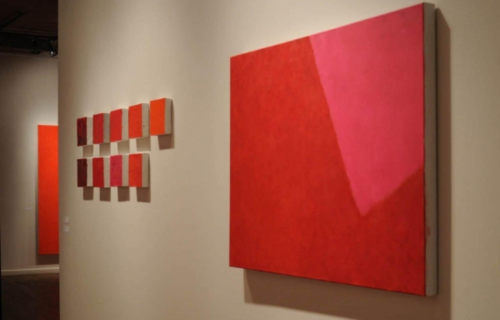 Vue générale de l'exposition Rouges, de Françoise Sullivan