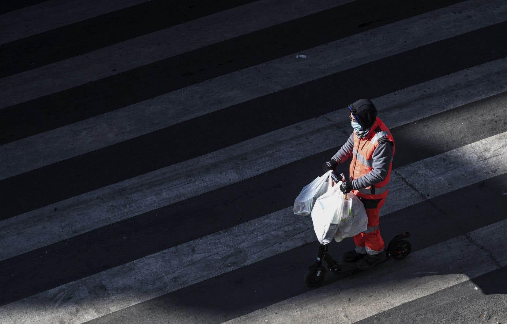 La pandémie a fait plus de 70000 morts dans le monde depuis son apparition en décembre en Chine, dont plus de 50000 en Europe.