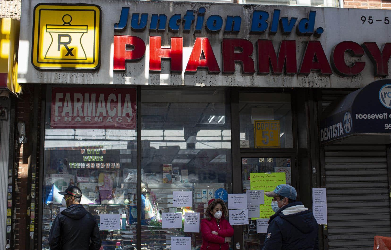 Les pharmacies pourront désormais effectuer des tests de dépistage à la COVID-19, a annoncé le gouvernement américain mercredi.