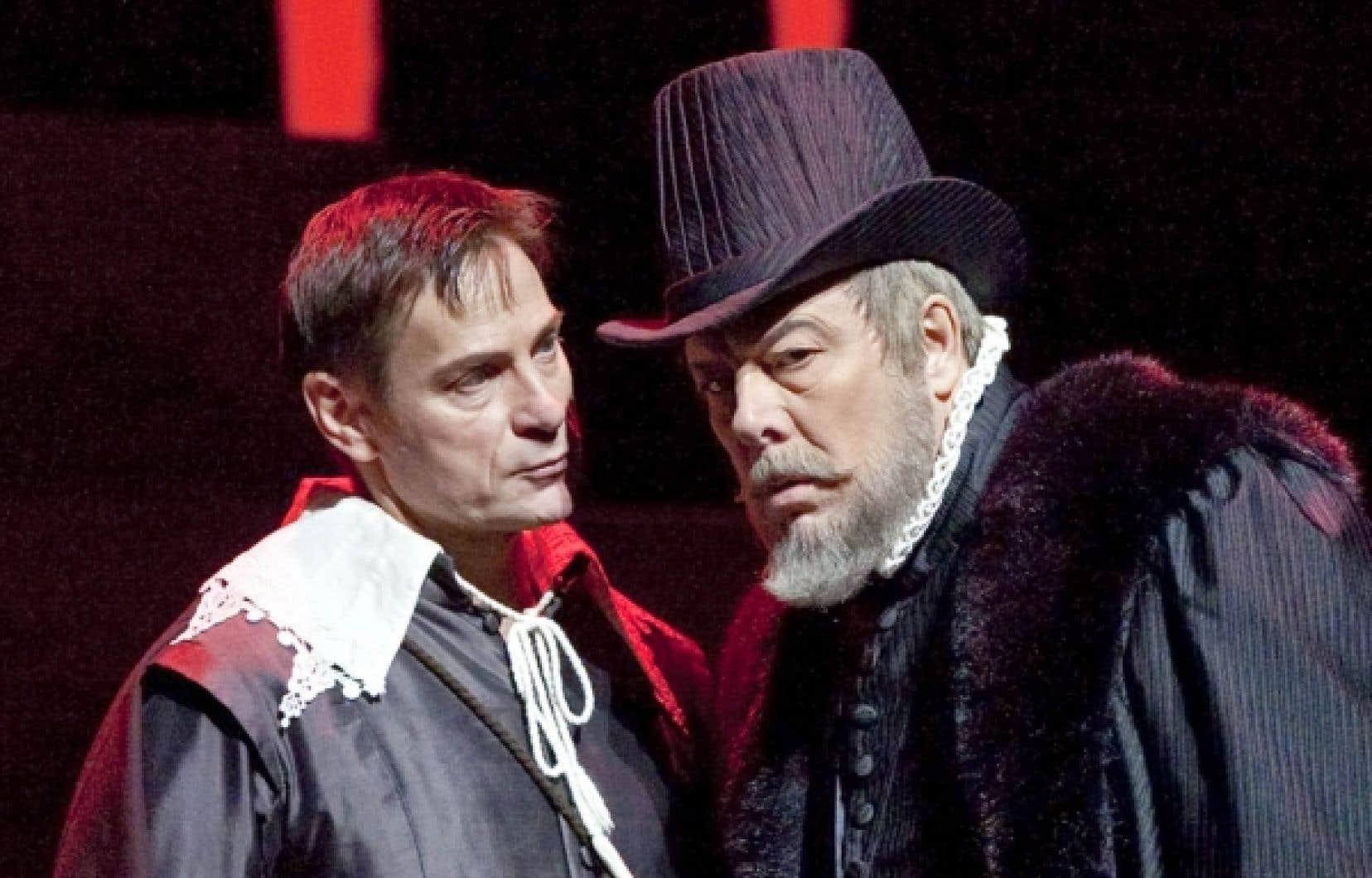 Ferruccio Furlanetto en Philippe II (à droite) est le véritable aimant du Don Carlo de Verdi au MET.<br />