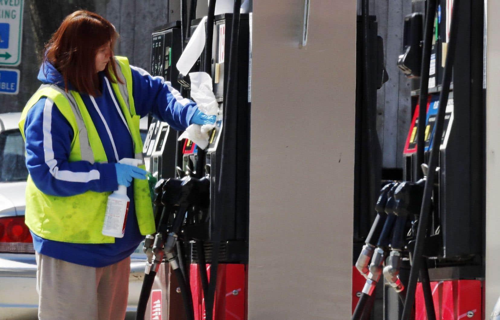 Les prix à la consommation ont reculé de 0,4% en mars aux États-Unis, une baisseprincipalement due à la chute du prix des carburants (-10,5%).