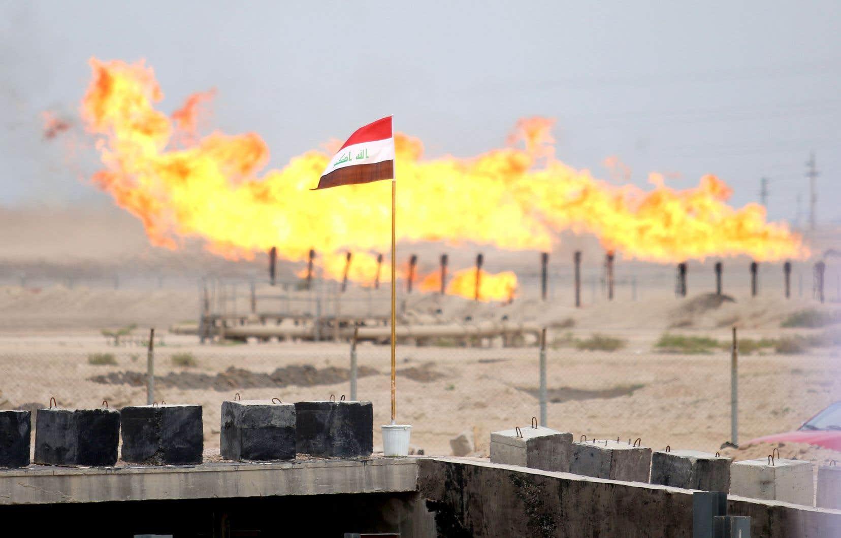 Alors qu'ils tournaient encore autour de 60 $US il y a quelques mois, les cours du baril ont atteint en début de semaine dernière des niveaux plus vus depuis 2002. Le prix du baril selon le panier de l'OPEP est juste au-dessus de 21 $US.