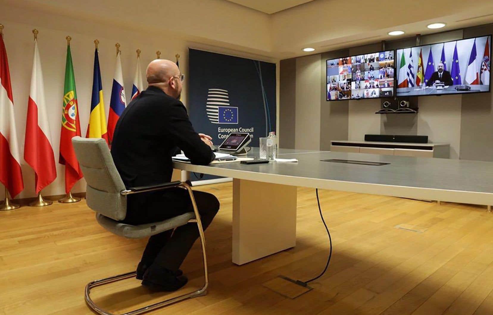<p>Le président du Conseil européen, Charles Michel, a convoqué vendredi un sommet européen par visioconférence pour le 23avril, consacré à la relance économique de l'Union, touchée de plein fouet par la pandémie de coronavirus.</p>