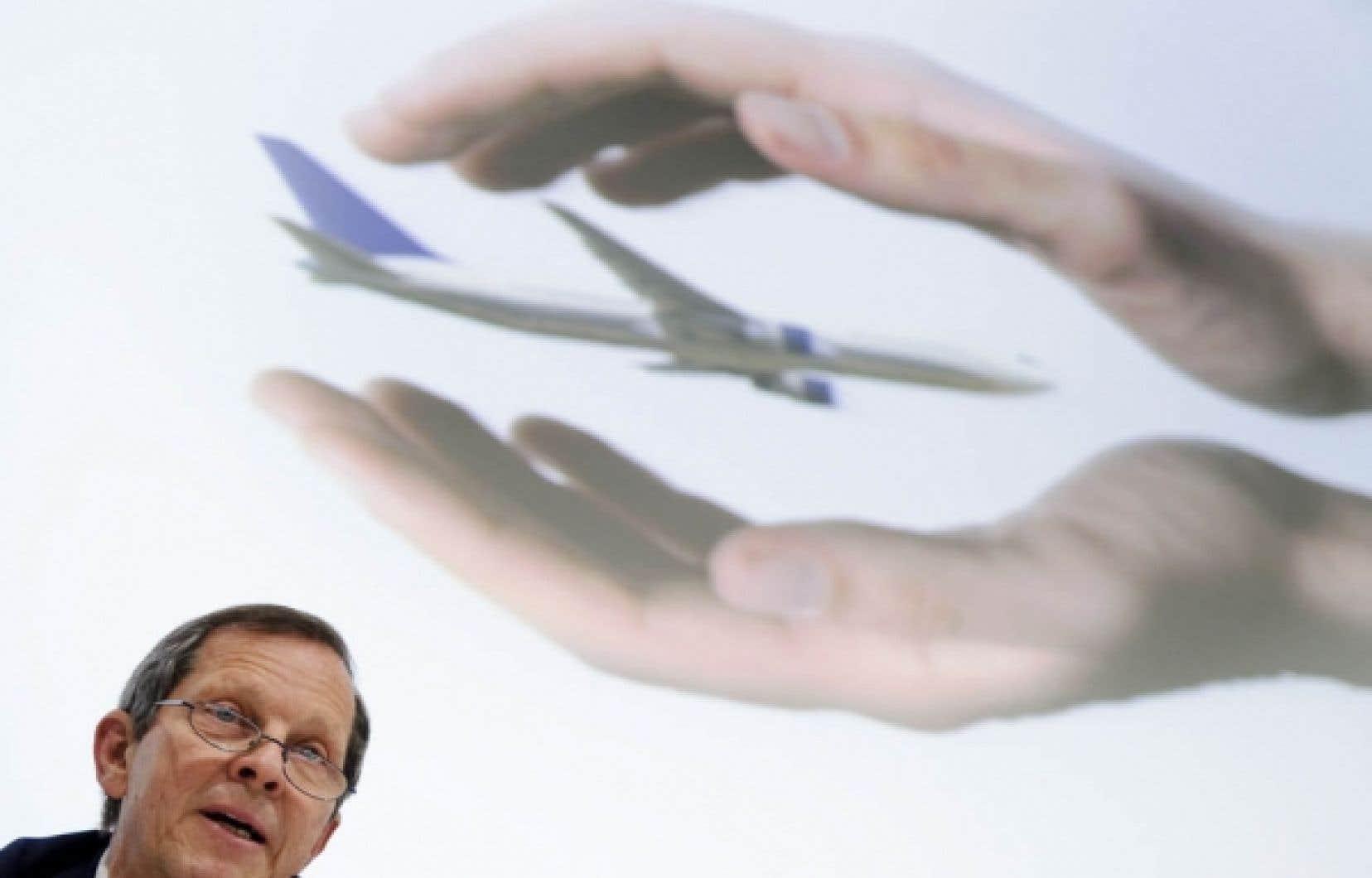 Giovanni Bisignani: «Si les compagnies aériennes étaient des organisations caritatives, ce serait un résultat formidable. Mais dans les affaires, cela signifie clairement que nous restons un secteur malade.»<br />