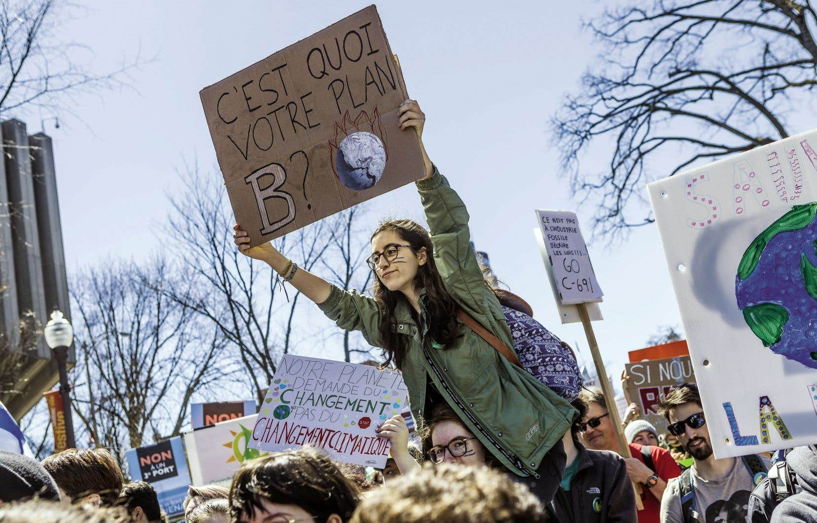 L'an dernier, dans le cadre du Jour de la Terre, des milliers de manifestants s'étaient réunis devant l'Assemblée nationale à Québec pour demander au gouvernement d'adopter des mesures concrètes pour lutter contre les changements climatiques.
