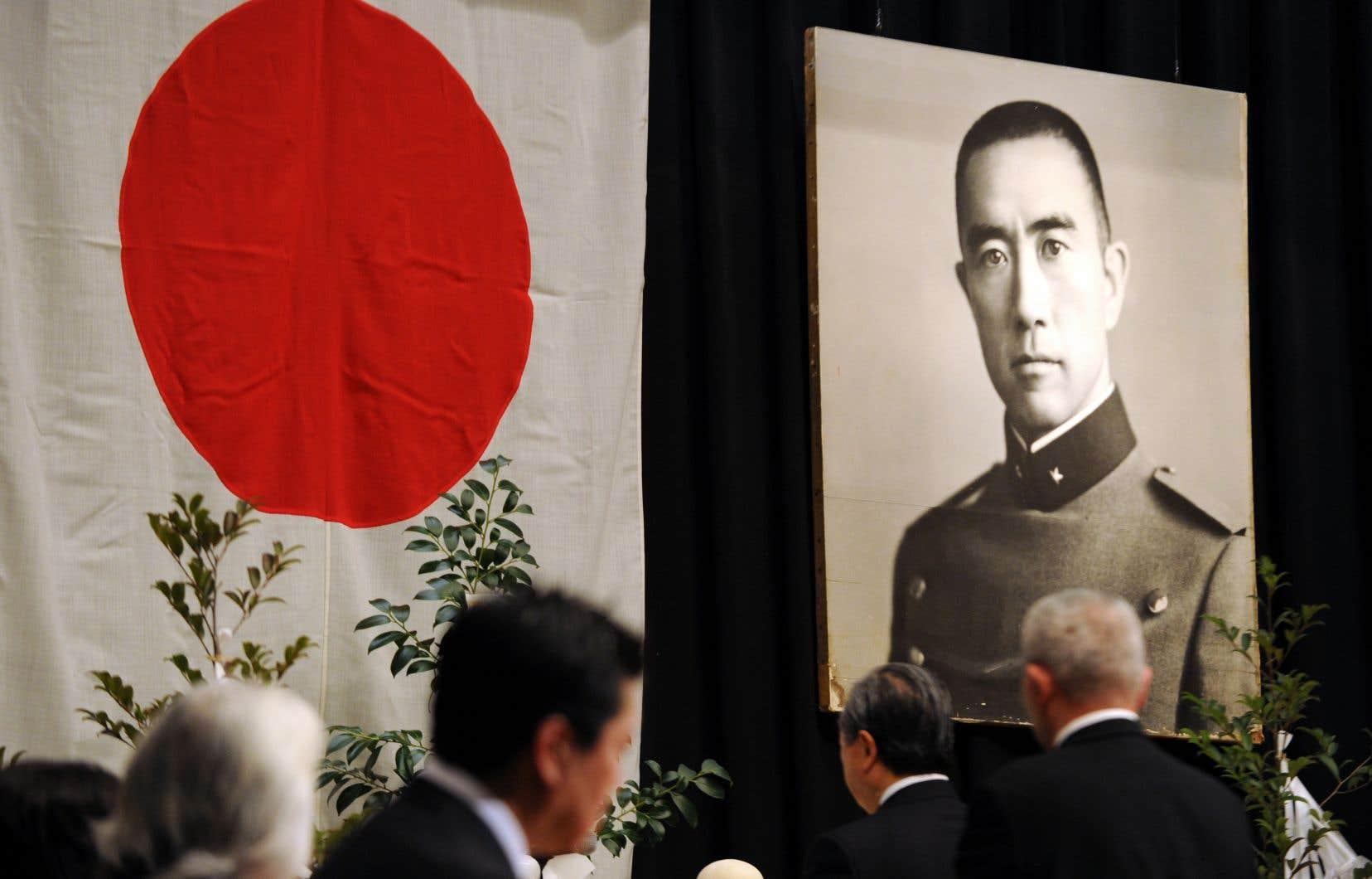 Une cérémonie, le 25novembre 2010, commémorait les 40ans du suicide de l'auteur.