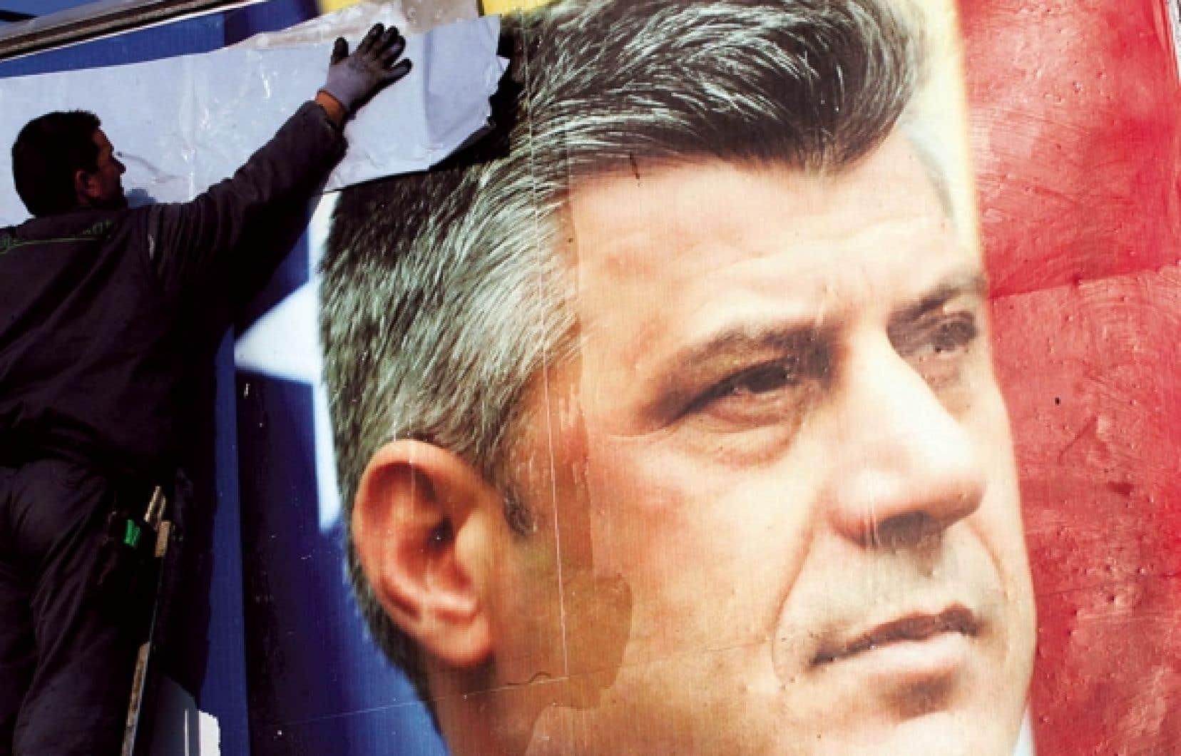 Hashim Thaçi et sa formation sont arrivés en tête des élections législatives de dimanche.<br />