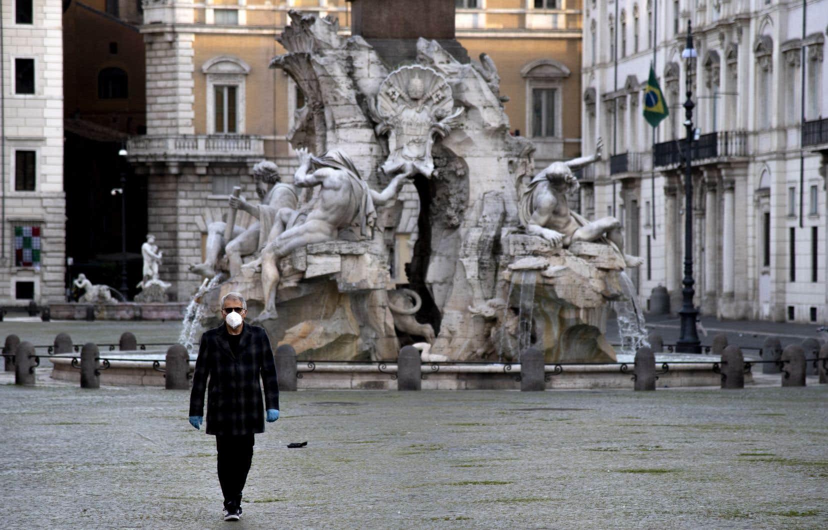 Autre signe encourageant, la stabilisation du nombre de malades recensés, un peu moins de 107000, soit seulement 355 de plus que la veille. Dans plusieurs régions, comme celles de Naples, de Bologne, de Venise, de Florence ou de Rome (sur la photo), ce chiffre baisse.