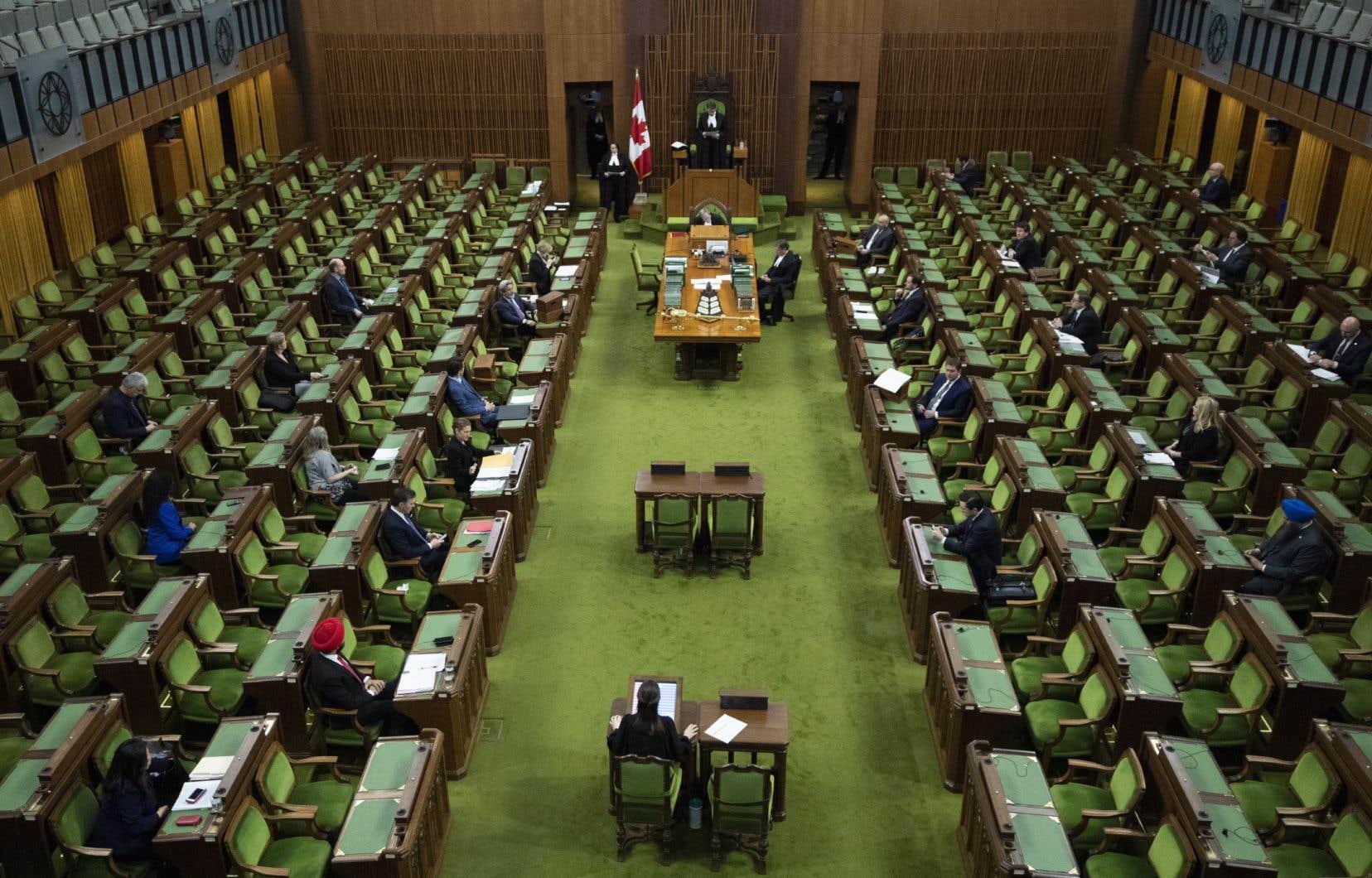 Les conservateurs demandent à siéger avec un nombre restreint de députés de tous les partis, comme cela s'est fait à deux reprises depuis le 13 mars.