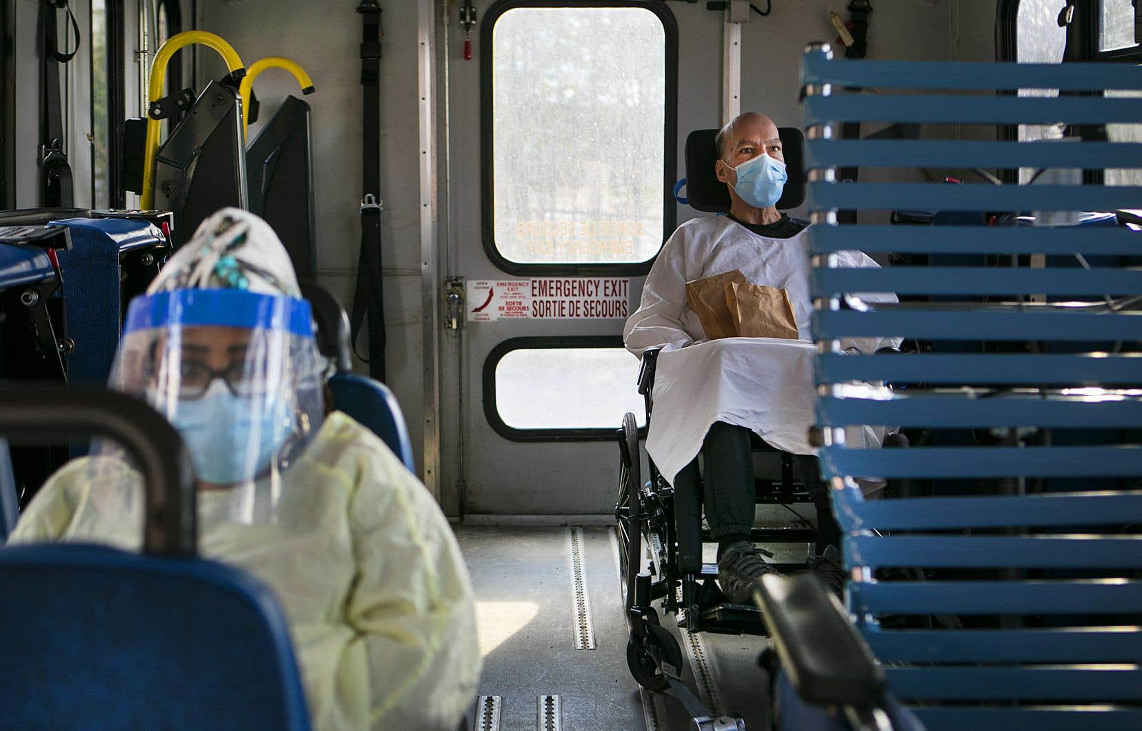 L'Institut national de santé publique du Québec a rapporté dimanche 72 nouveaux décès liés à la COVID-19, pour un bilan de 877 morts depuis le début de la crise.