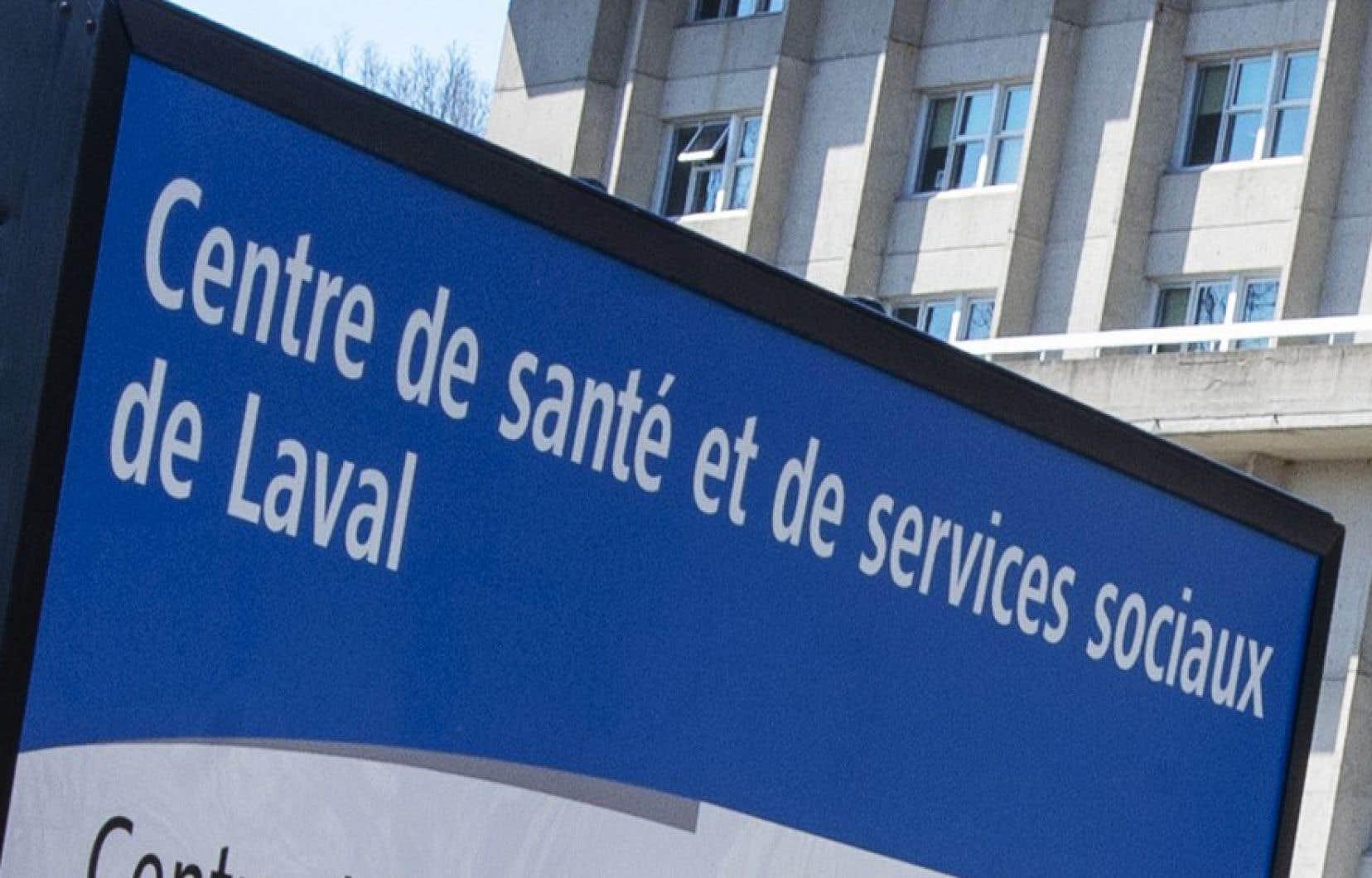 Au CISSS-Laval, bien que les travailleurs du service Info-Social interviennent uniquement par téléphone, il n'est pas possible de permettre le télétravail.