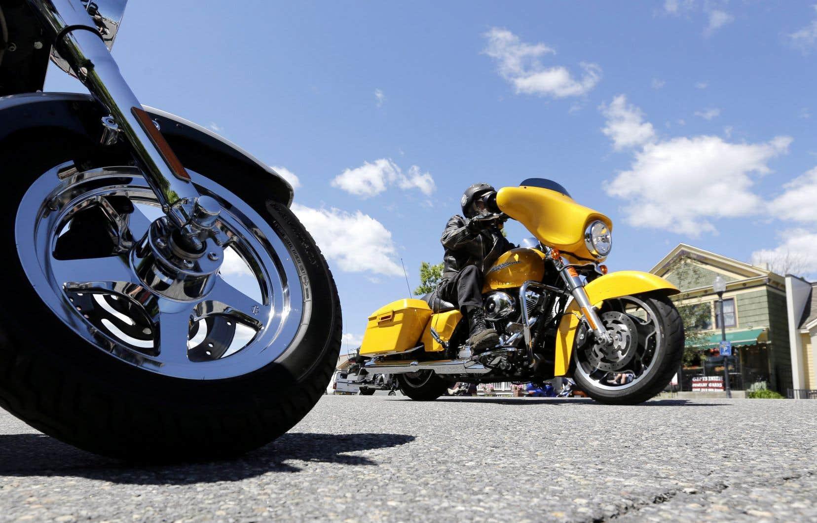 Plusieurs ont abandonné l'idée de faire de la moto cet été.