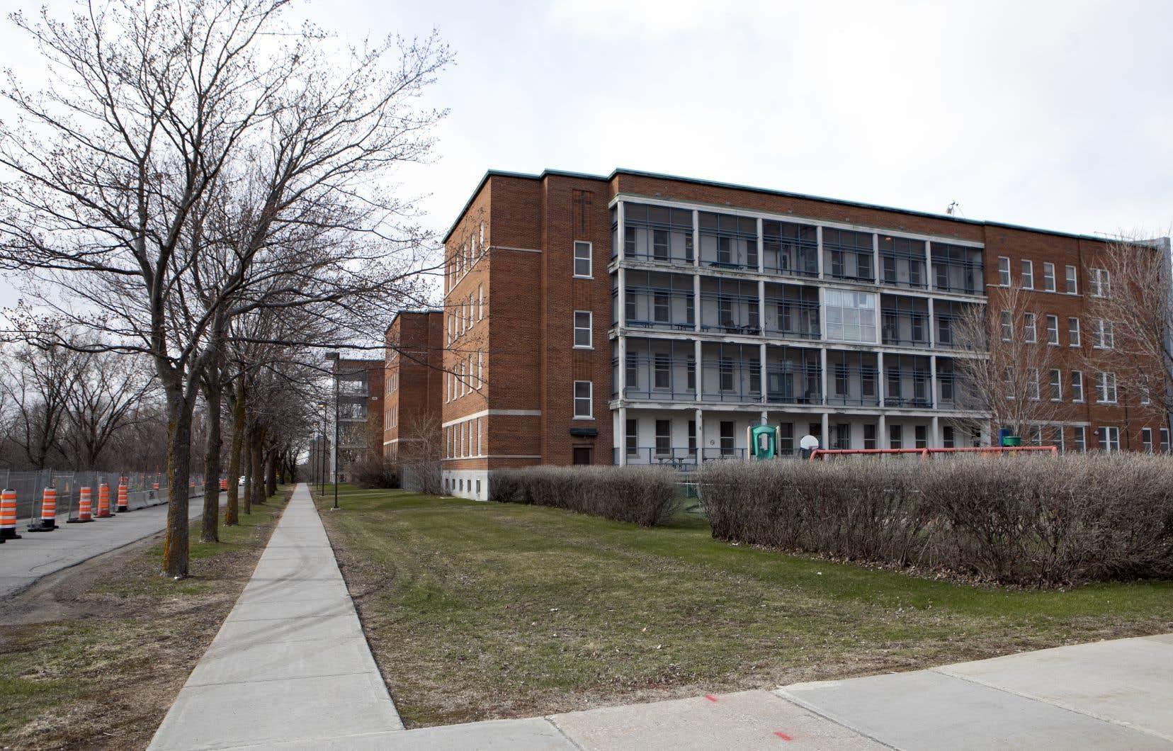 Les six enfants et adolescents d'une unité de réadaptation intensive, située à l'hôpital Rivière-des-Prairies, ont été infectés par la COVID-19.